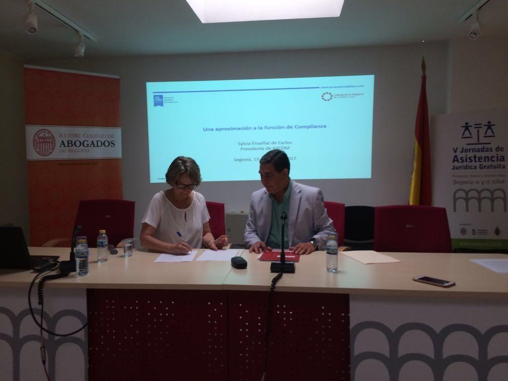 Firmado el acuerdo de formaci n con el consejo de la for Clausula suelo con acuerdo firmado